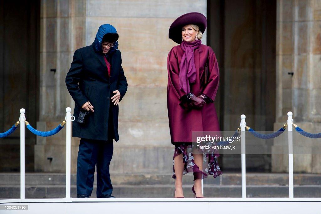 King Willem Alexander Of The Netherlands And Maxima Of The Netherlands Visit Zeeland : Nieuwsfoto's