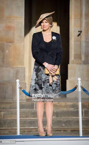 Queen Maxima of The Netherlands welcome President Mauricio Macri during an official welcome ceremony at the Royal Palace on March 27 2017 in...