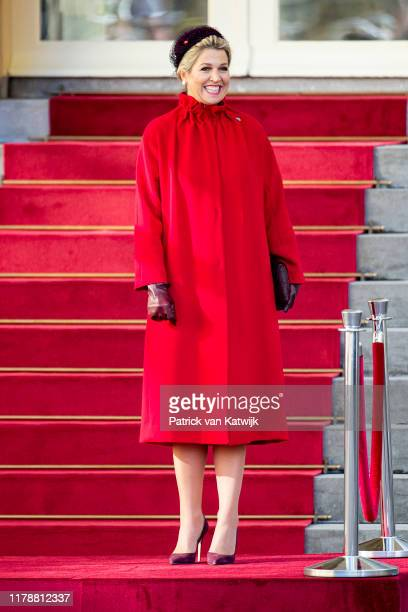 Queen Maxima of The Netherlands welcomes the President of Poland Andrzej Duda and his wife Agata Kornhauser-Duda during an official welcome ceremony...