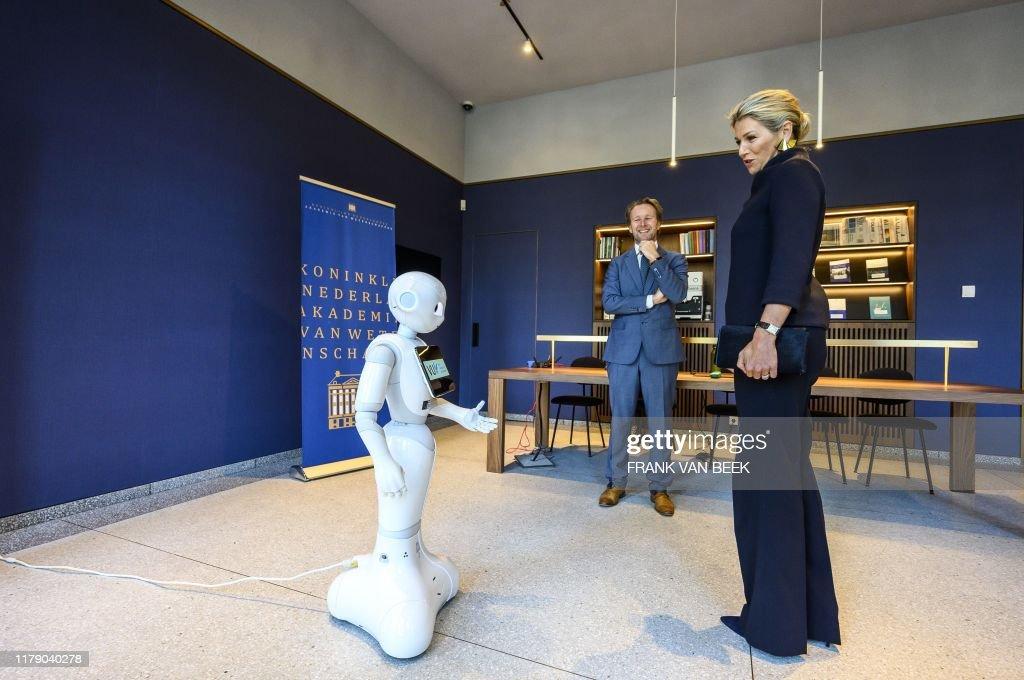 NETHERLANDS-ROYAL-SCIENCES-ROBOT : News Photo