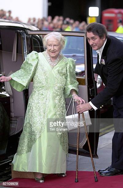 Queen Mother At Covent Garden Opera House On The Evening Of Her 100th Birthday To Watch The Kirov Ballet Her Butler Billy Tallon Is There To Help