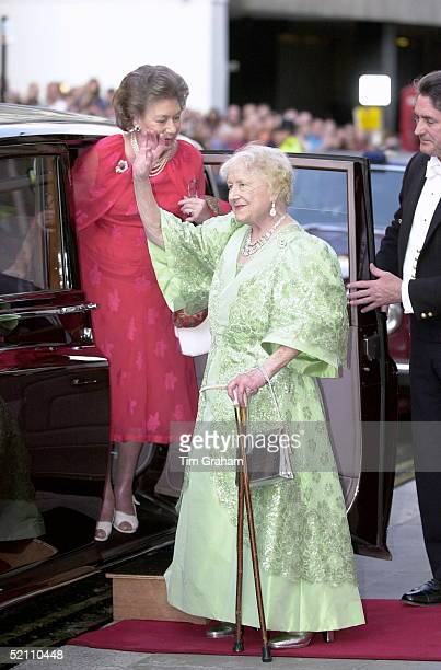 Queen Mother At Covent Garden Opera House On The Evening Of Her 100th Birthday To Watch The Kirov Ballet With Her Is Princess Margaret