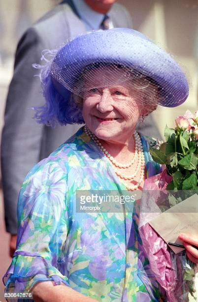 Queen Mother Birthdays August 1989 On her 89th Birthday outside Clarence House