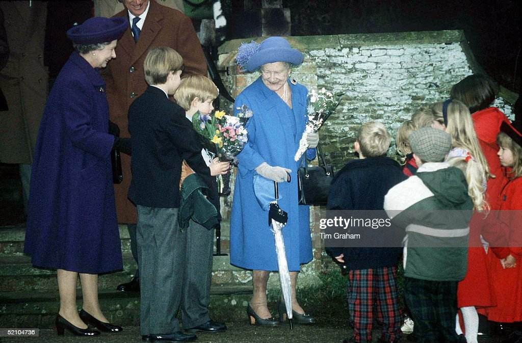 Queen Mother Family : News Photo
