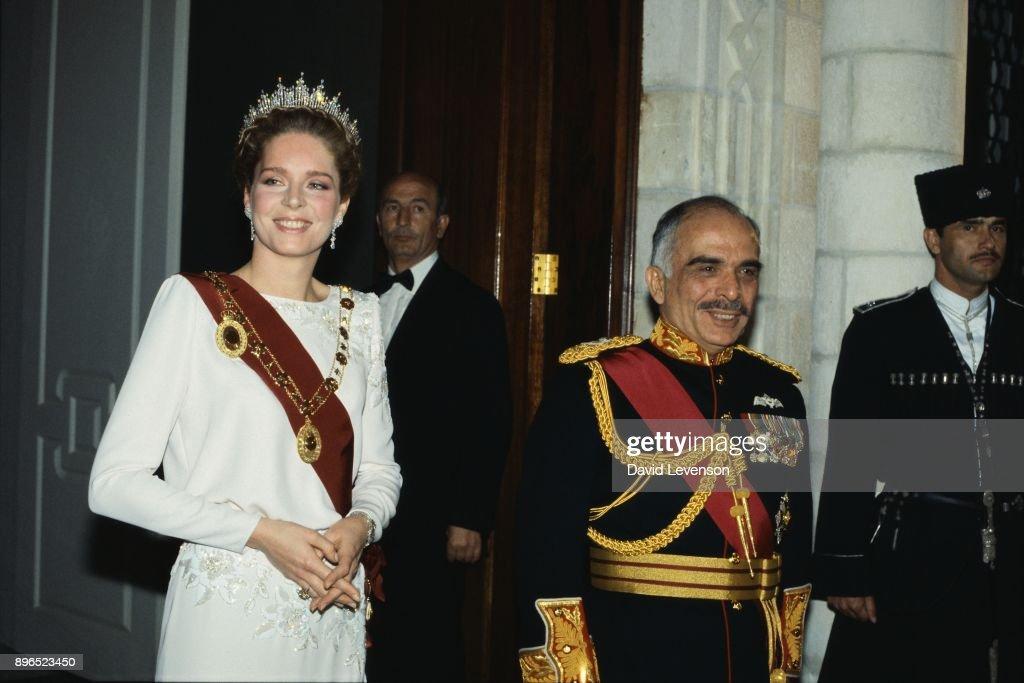 King Hussein and Queen Noor of Jordan : News Photo