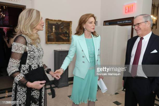 queen-noor-of-jordan-arrives-to-the-teaching-matters-celebrates-25th-picture-id1128807012