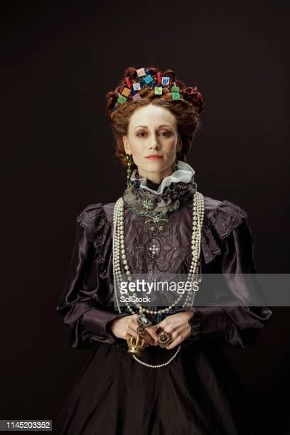 rainha dos apps - realeza - fotografias e filmes do acervo