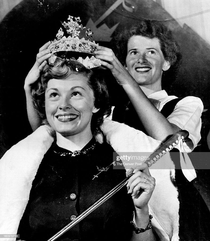 JAN 27 1952; Queen Of The Winterskol--Gwen Van Derbur, Pretty 20-year-old University Of Colorado Stu : ニュース写真