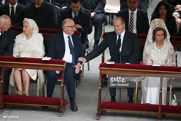 Queen Paola and King Albert II of Belgium, King Juan Carlos and Queen Sofia of Spain talk before the canonisation mass of Popes John XXIII and John...