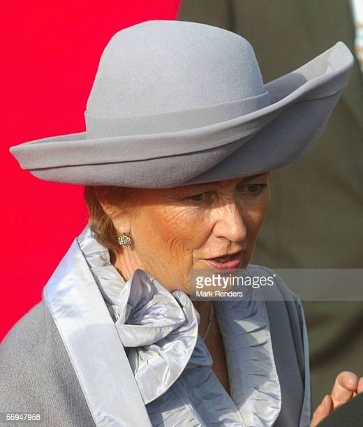 Queen Paola assists the official welcome ceremony at the Place Des Palais on October 18 2005 in Brussels The President of the Portuguese Republic...