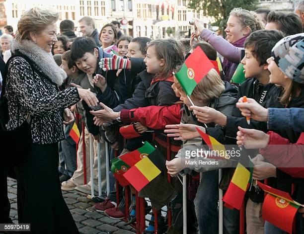 Queen Paola greets fans at the Grote Markt on October 20 2005 in Antwerp BelgiumThe President of the Portuguese Republic Jorge Sampaio and his wife...