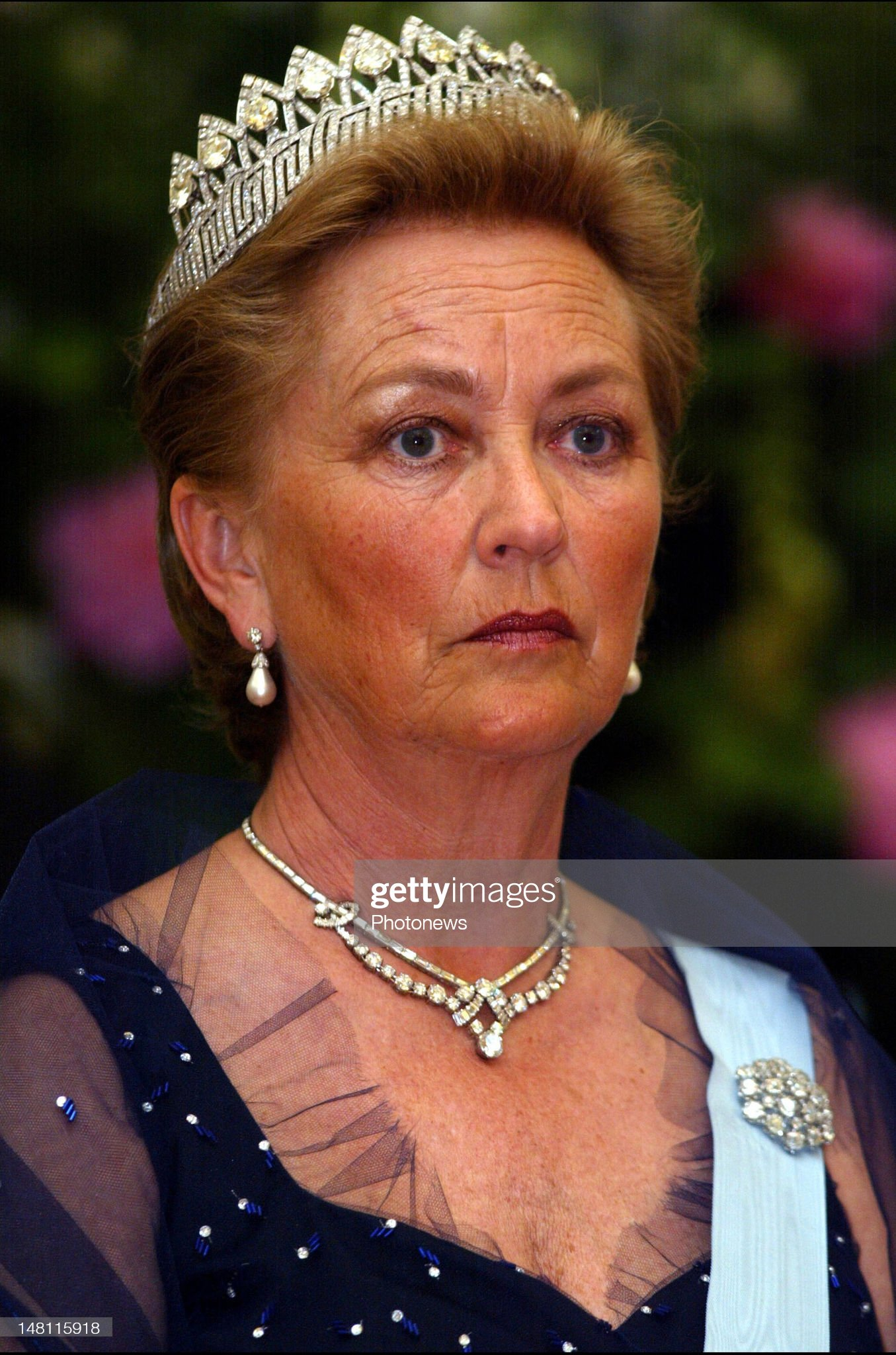 Queen Paola of Belgium aat the gala dinner offered to Queen Margrethe of Denmark and Prince Consort Henrik visiting Belgium : News Photo