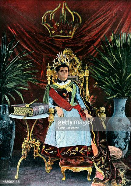 Queen Ranavalona Manjaka III of Madagascar c 1880s The Queen ruled from 18831897 Illustration from Island of Madagascar sites manners and costumes