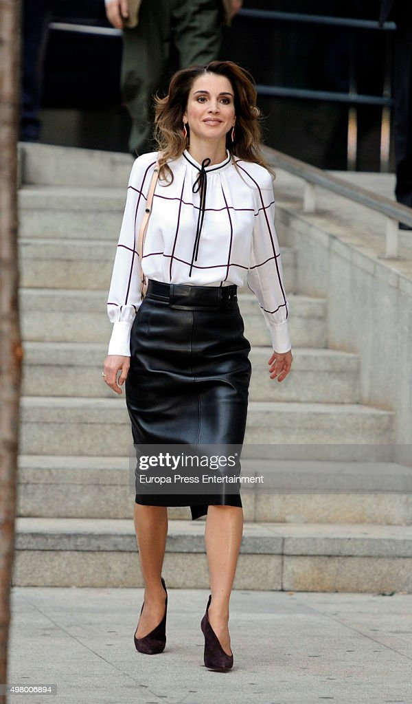Queen Rania Abdullah of Jordan visits the Prado Media Lab cultural center on on November 19, 2015 in Madrid, Spain.