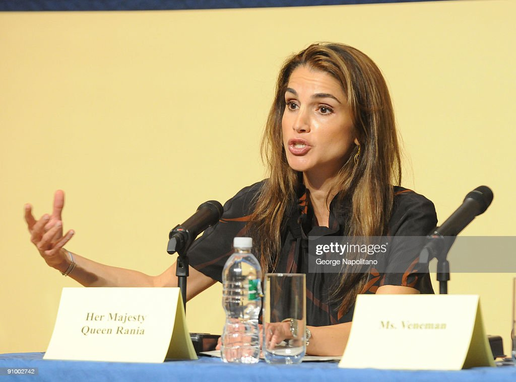 Queen Rania Al Abdullah Visits The Young Women's Leadership School : News Photo