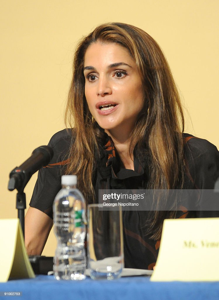 Queen Rania Al Abdullah Visits The Young Women's Leadership School : News Photo
