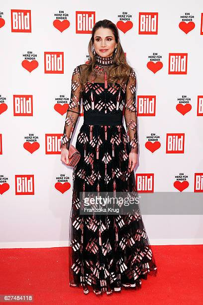 Queen Rania AlAbdullah of Jordan attends the Ein Herz Fuer Kinder Gala 2016 on December 3 2016 in Berlin Germany