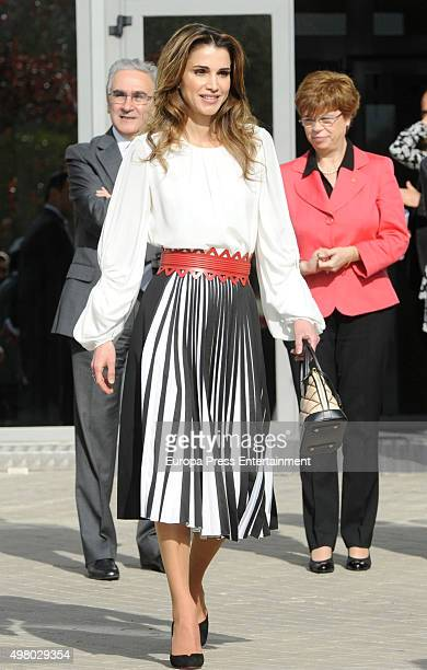 Queen Rania attends Molecular Biology Center 'Severo Ochoa' at Autonoma University on November 20 2015 in Madrid Spain