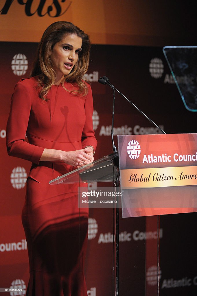 Queen Rania of Jordan addresses the audience during the 2013 Global Citizen Awards Ceremony on September 26, 2013 in New York City.