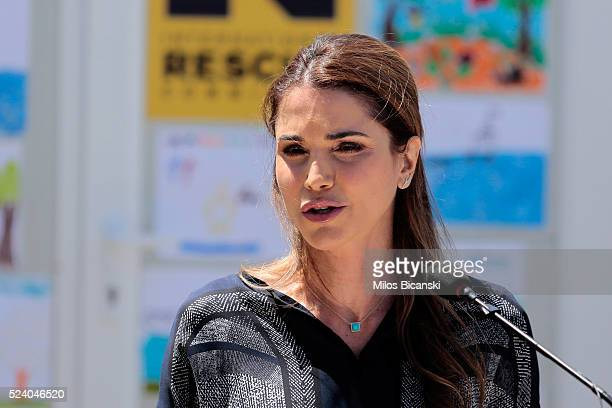 Queen Rania of Jordan speaks to the media after meeting Syrian refuges at the Karatepe municipality camp for refugees on the outskirts of Mytilene on...