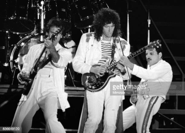Queen Rock Group Freddie mercury Brian May John Deacon Roger Taylor Queen in concert at St James Park in Newcastle Freddie Mercury 1980s