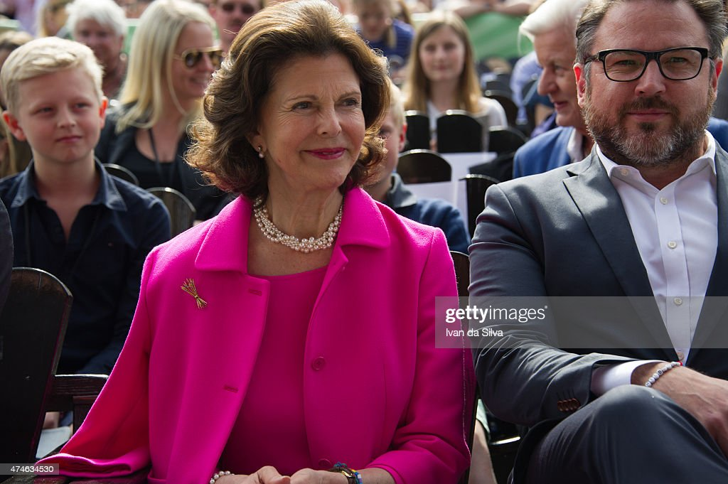 Queen Silvia of Sweden, CEO Grona Lund Magnus Widell attends The Childhood Day in Stockholm on May 24, 2015 in Stockholm, Sweden. (Photo by Ivan Da Silva/Getty Images).