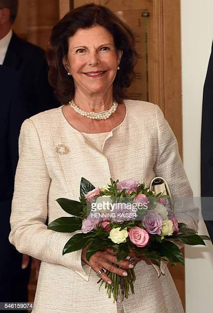 Queen Silvia of Sweden is pictured on July 11 2016 at the townhall in Aachen / AFP / dpa / Henning Kaiser / Germany OUT