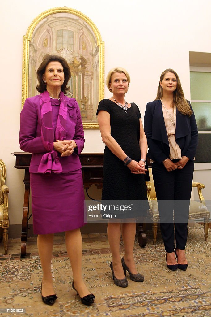 Queen Silvia Opens The Seminar 'Trafficking with a Special Focus on Children' At The Vatican : News Photo