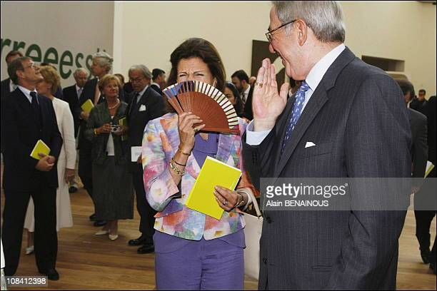 Queen Silvia of Sweden of Sweden and King Constantin of Greece surrounded by the personalities invited to attend celebrations marking their silver...