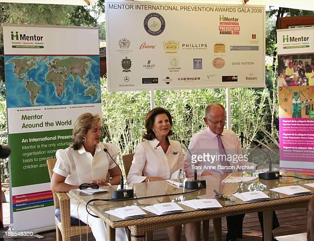 Queen Silvia of Sweden President of Mentor International Olof Stenhammar Chairman of Mentor International and Mrs NardiSchuler attend the Mentor...