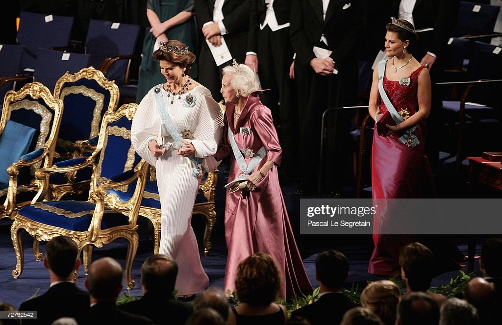 Queen Silvia of Sweden (L) Princess Lilian of Sweden (C) and Crown Princess Victoria of Sweden (R), arrive at the concert hall to attend the Nobel Foundation Prize 2006 at the Concert Hall on December 10, 2006 in Stockholm, Sweden.