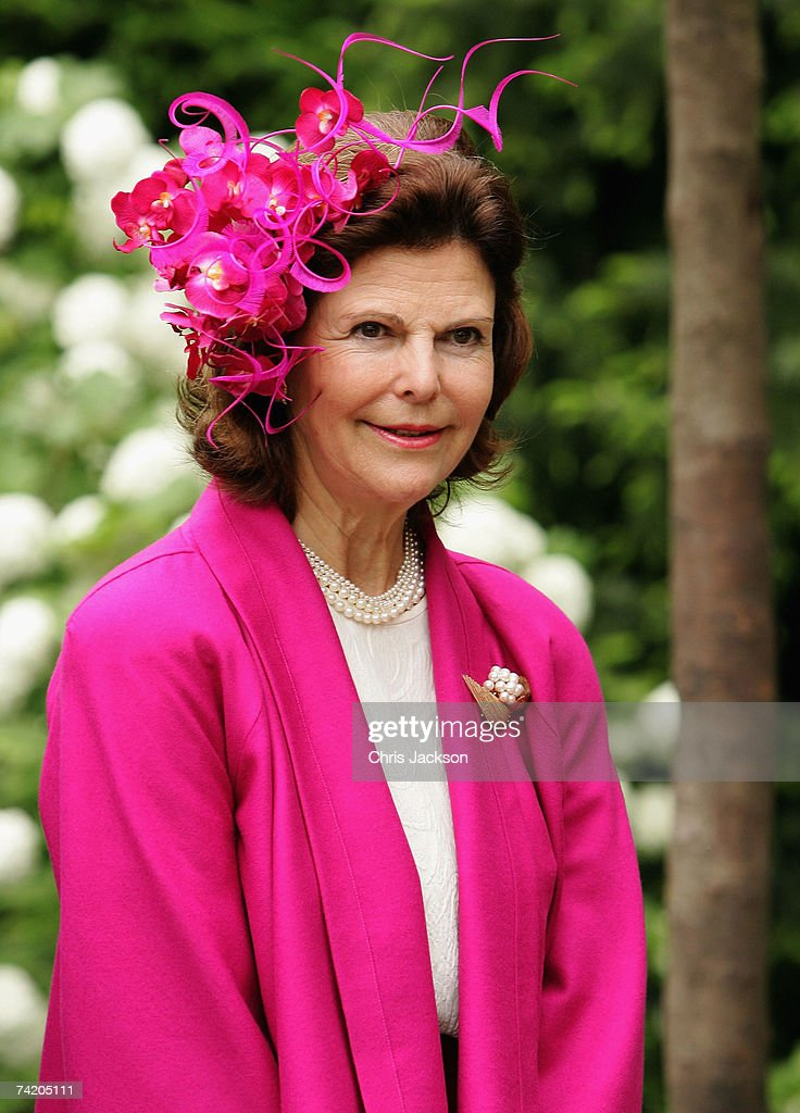 Celebrities Attend Chelsea Flower Show Press Day : News Photo
