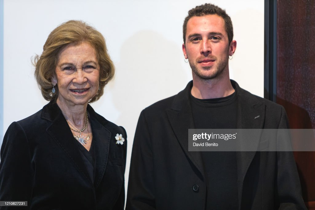 Queen Sofia Attends Sculpture And Painting Competition : Nieuwsfoto's