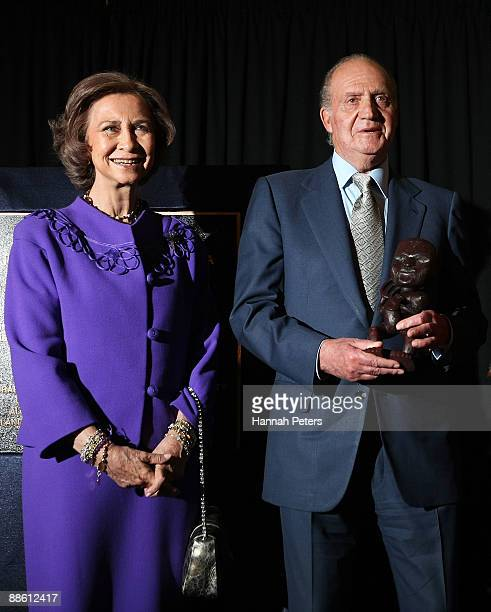 Queen Sofia and King Juan Carlos of Spain are presented a Tukutuku as a gift from Auckland Mayor John Banks at the Maritime Museum on June 22 2009 in...