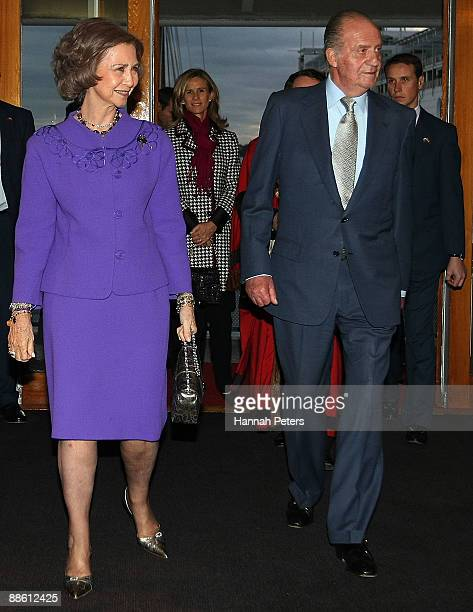 Queen Sofia and King Juan Carlos of Spain arrive to a reception at the Maritime Museum on June 22 2009 in Auckland New Zealand The Royal couple are...
