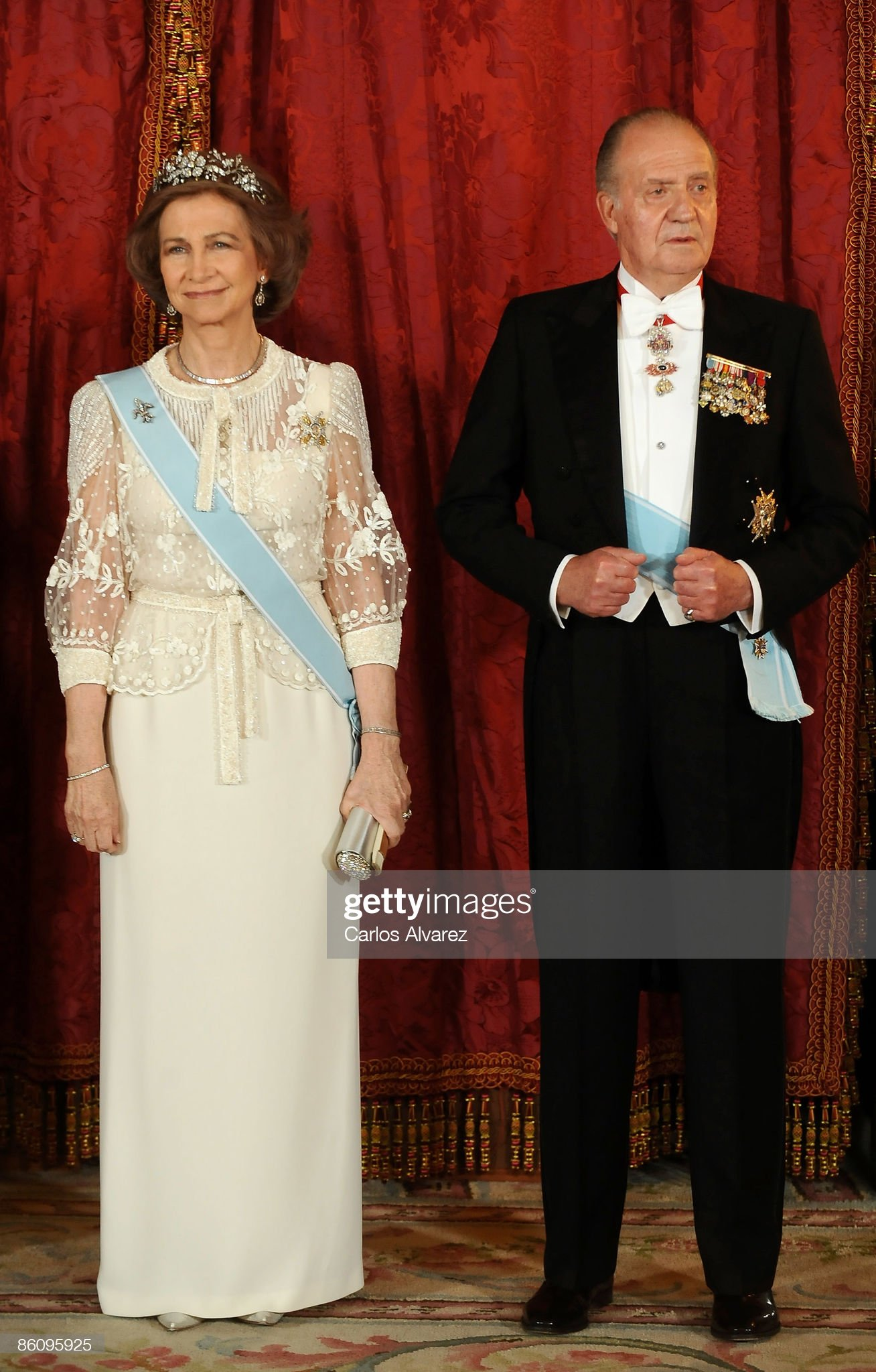 Spanish Royals Host Gala Dinner Honouring India President : News Photo