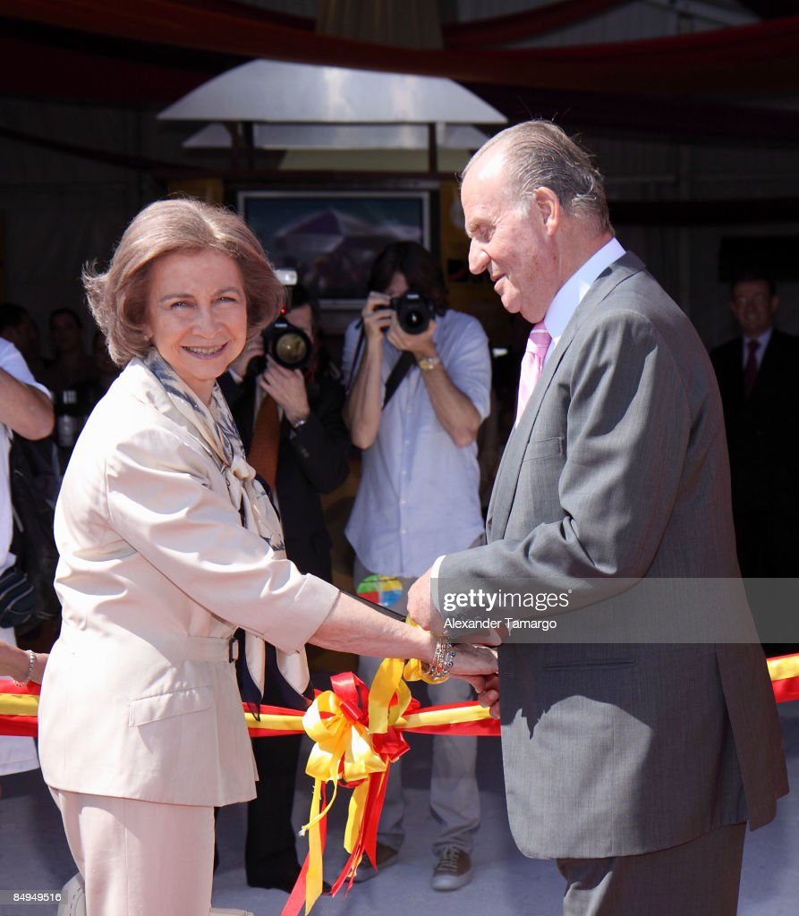 2009 SBWFF - King Juan Carlos I and Queen Sofia of Spain Ribbon Cutting