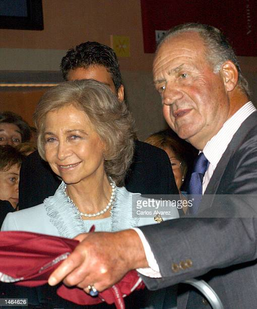 Queen Sofia and King Juan Carlos of Spain attend the tenth anniversary of the opening of Thyssen Museum October 08 2002 in Madrid Spain