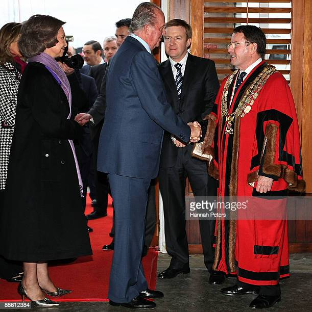 Queen Sofia and King Juan Carlos of Spain greet Auckland Mayor John Banks at the Maritime Museum on June 22 2009 in Auckland New Zealand The Royal...
