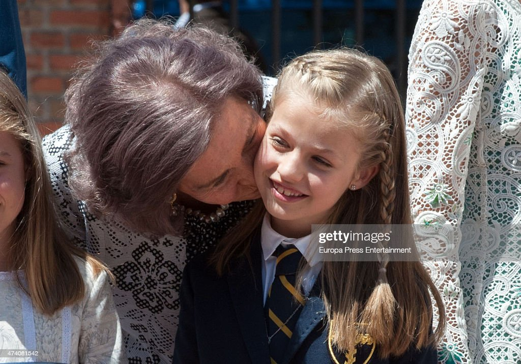 Queen Sofia and Princess Leonor of Spain attend the First Communion of Princess Leonor of Spain on May 20, 2015 in Madrid, Spain.