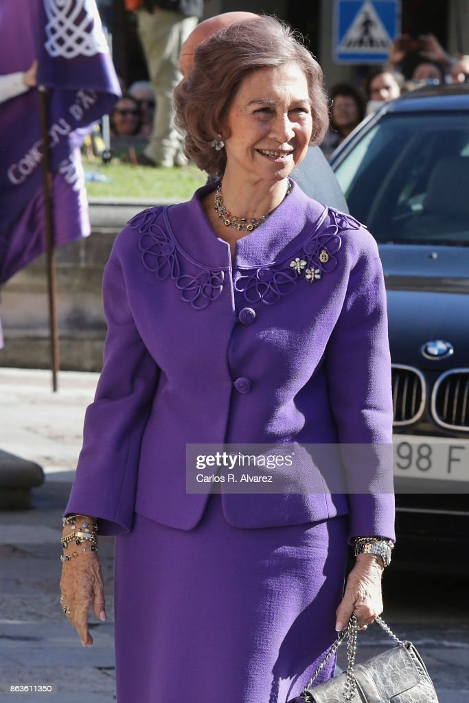 Queen Sofia arrives at the Reconquista Hotel during the 'Princesa De Asturias' Awards 2017 on October 20, 2017 in Oviedo, Spain.