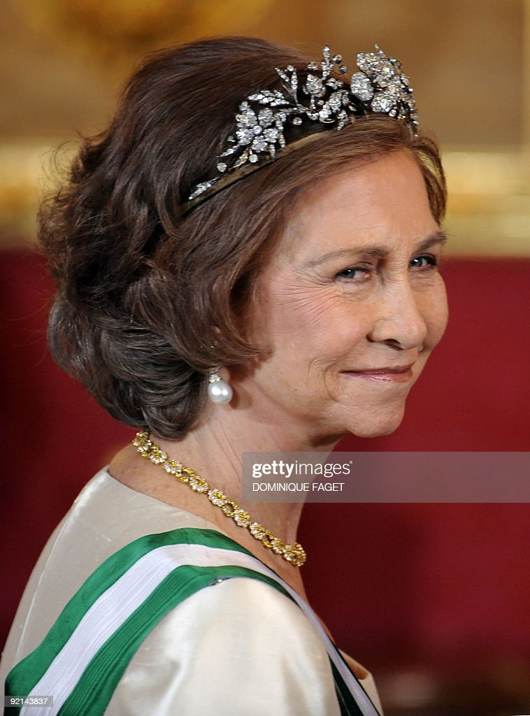 Queen Sofia arrives at the Royal palace : News Photo