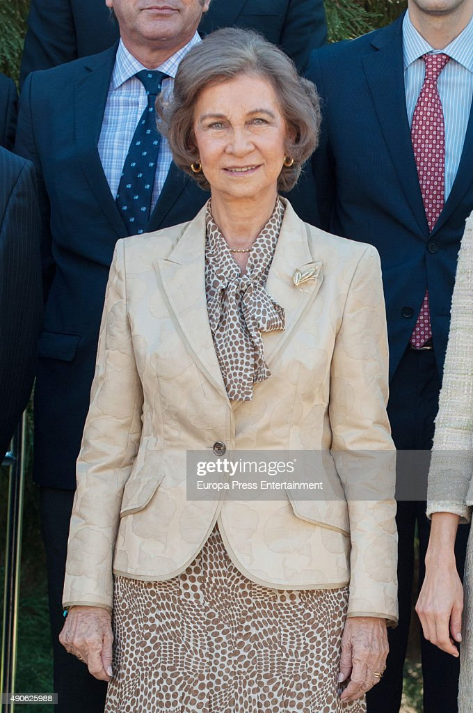 Queen Letizia of Spain and Queen Sofia Attend Audiences in Zarzuela Palace : Nyhetsfoto