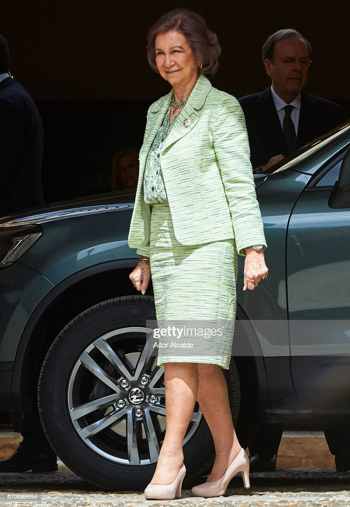 King Juan Carlos And Queen Sofia Attends 25th Anniversary Tribute Of 'Seville Universal Exhibition' : News Photo