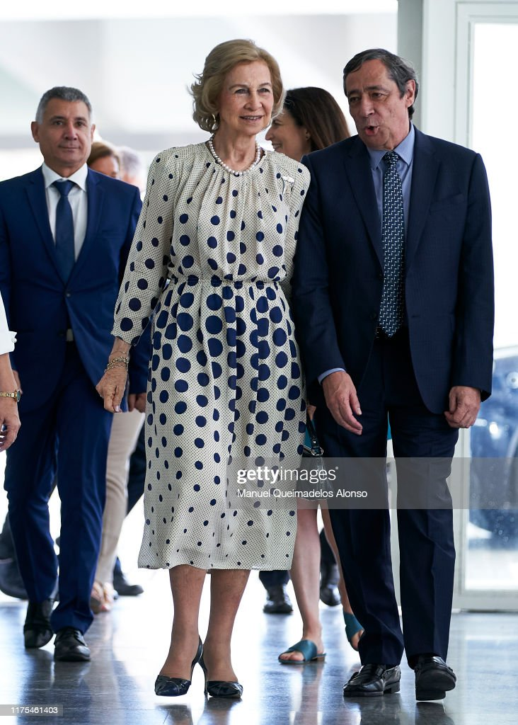 Queen Sofia Inaugurates Symposium On Scientific Research In Neurodegenerative Diseases : News Photo