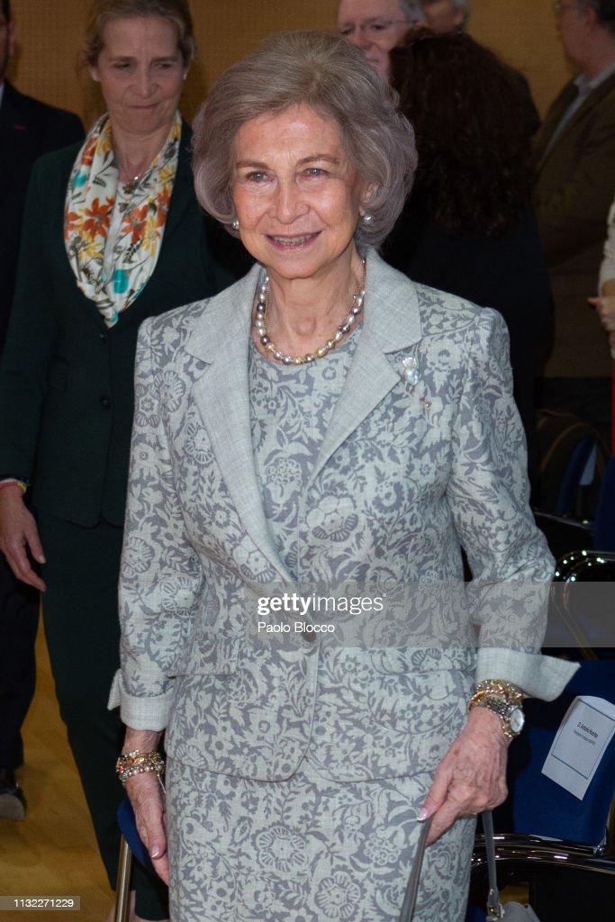 Queen Sofia Delivers Reina Sofia Foundation Scholarships To Investigate Alzheimer : News Photo