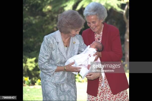 Queen Sofia, Dona Saenz de Tejeda and Victoria Federica.