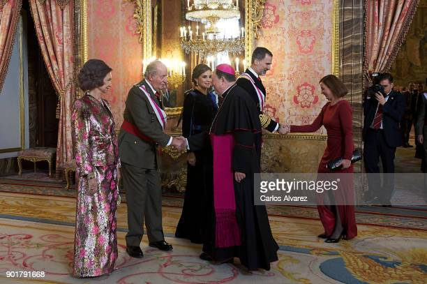 Queen Sofia King Juan Carlos Queen Letizia of Spain and King Felipe VI of Spain attend the Pascua Militar ceremony at the Royal Palace on January 6...