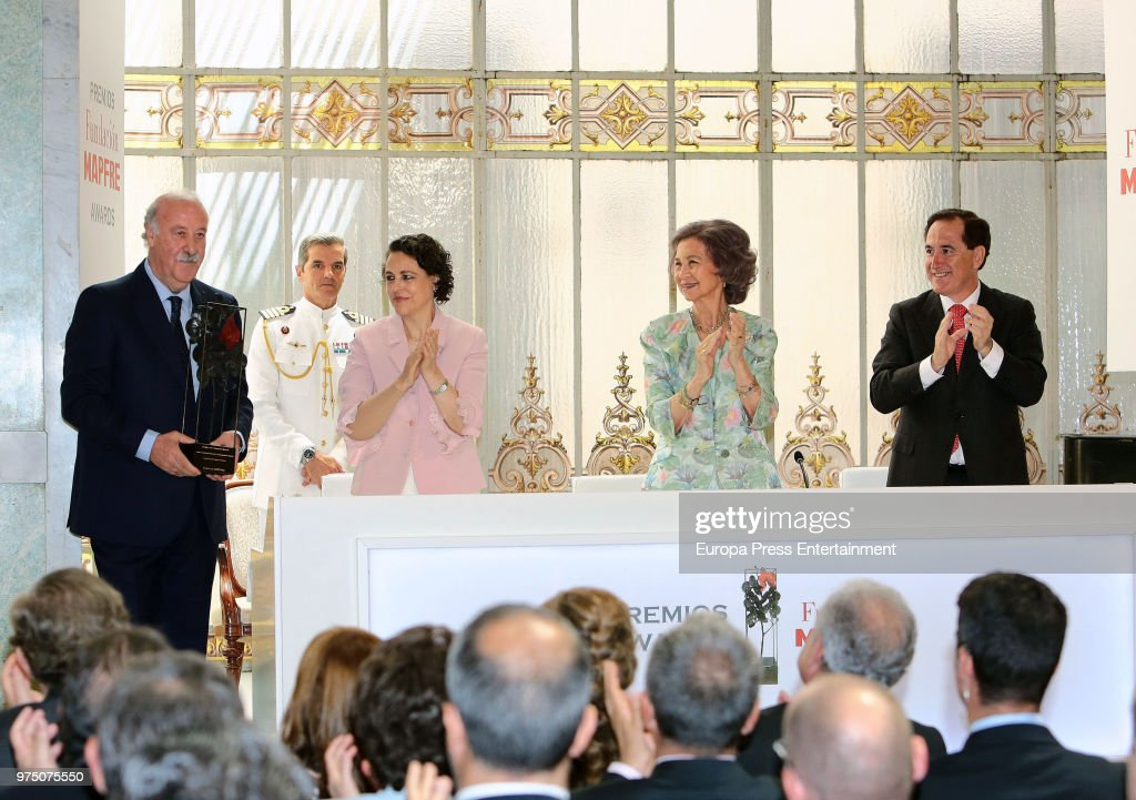Queen Sofia (3L), Magdalena Valerio (2L) and Vicente del Bosque (L) attend Mapfre Foundation Awards 2017 at Casino de Madrid on June 14, 2018 in Madrid, Spain.