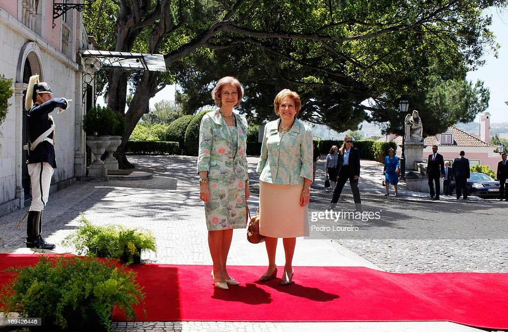 Queen Sofia of Spain Meets The Wife of the President of Republic of Portugal